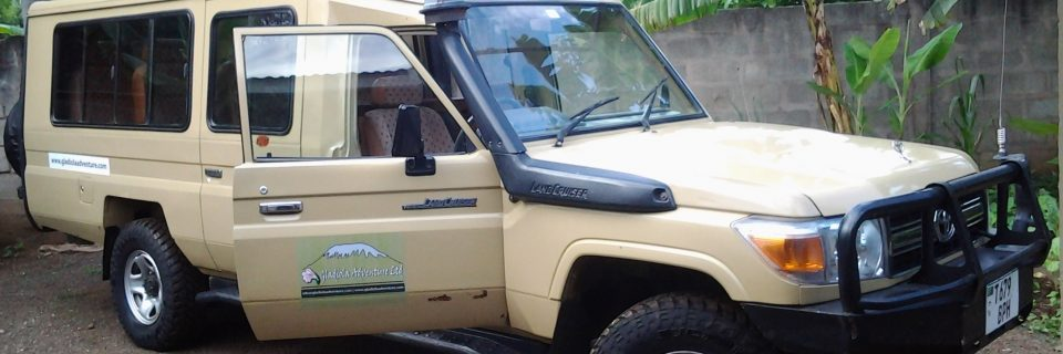 EXTENDED TOYOTA LANDCRUISER  - NOW AVAILABLE WITH A DRIVER/GUIDE.
